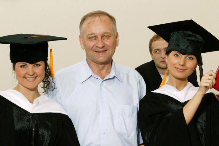 Поздравление ректора ВГУЭС Геннадия Лазарева с Днем Российской науки!