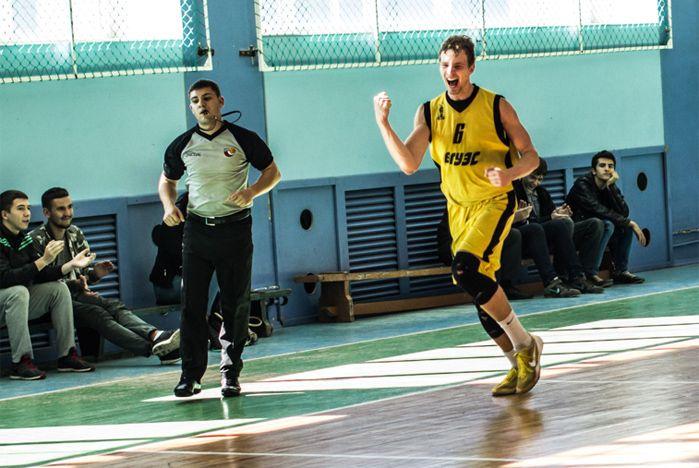 Баскетбольная команда ВГУЭС успешно начинает сезон