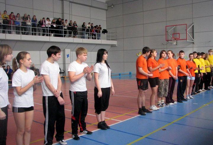 В городской спартакиаде средне-специальных учебных заведений студенты Колледжа сервиса и дизайна ВГУЭС завоевали место на пьедестале