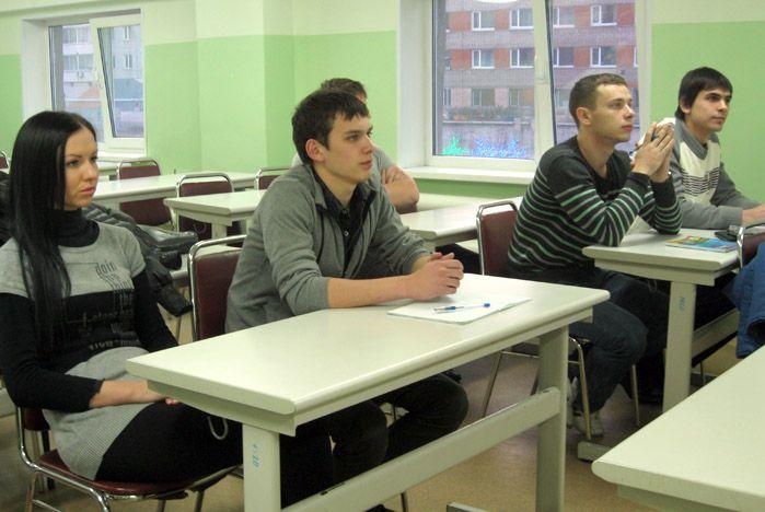 Участники консультаций по трудоустройству ВГУЭС обсудили перспективы открытия собственного бизнеса