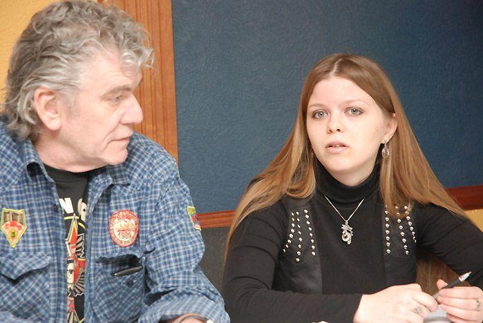 Выпускница ВГУЭС помогла журналистам и лидеру Nazareth найти общий язык