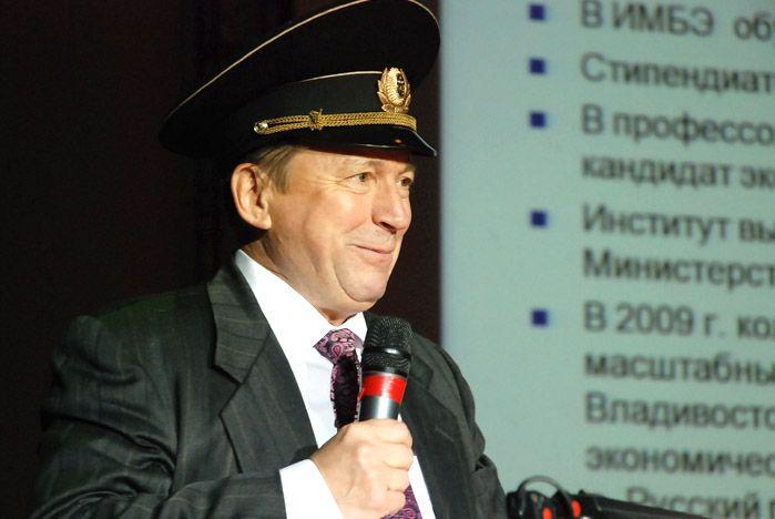 Поздравляем директора Института международного бизнеса и экономики ВГУЭС А.П. Латкина с 65-летием!