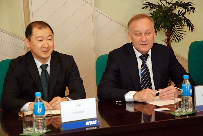 Выпускников ВГУЭС пригласили работать в мэрии г.Суньфэньхэ