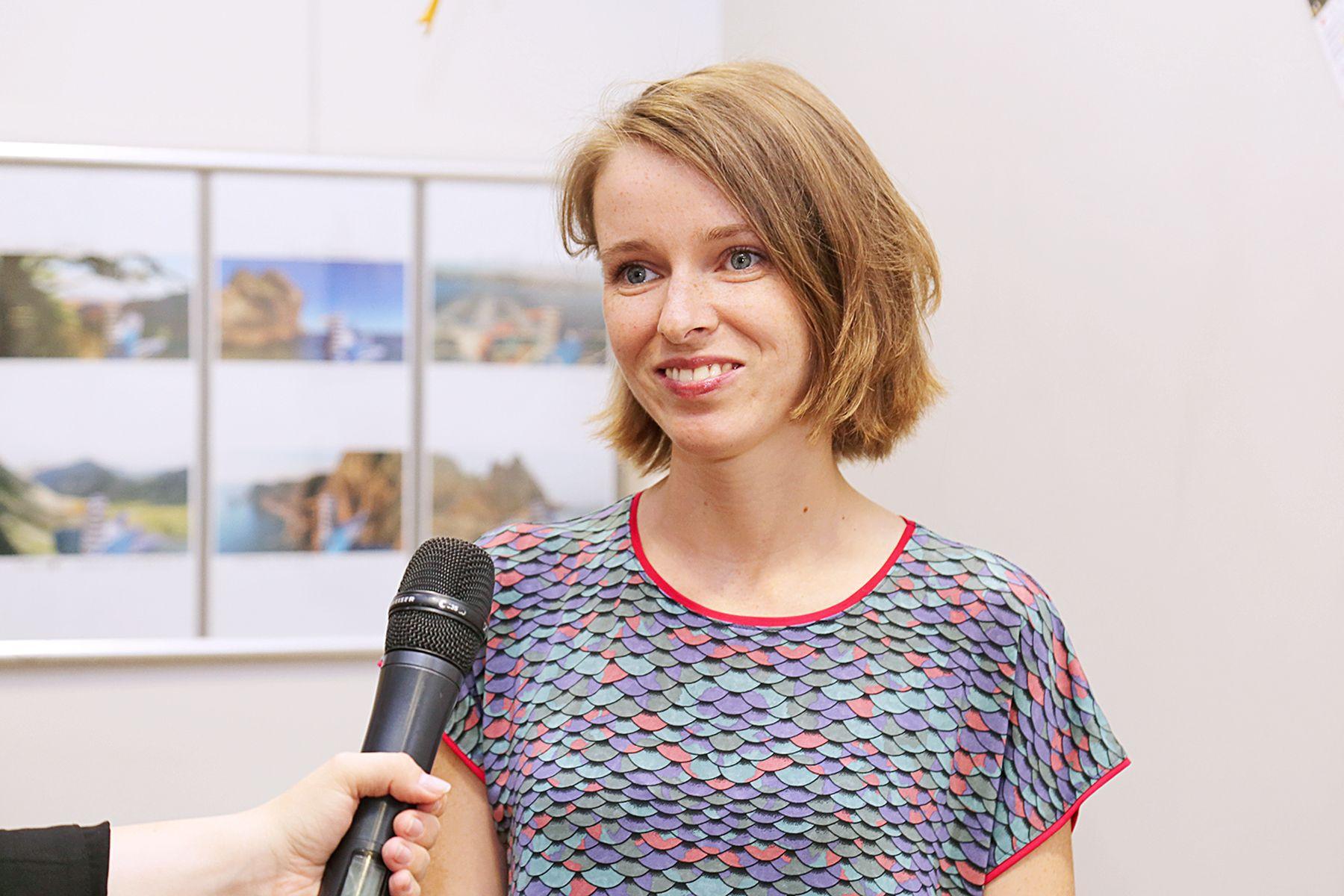 В Музее ВГУЭС открылась персональная выставка выпускницы кафедры дизайна Лауры Колес