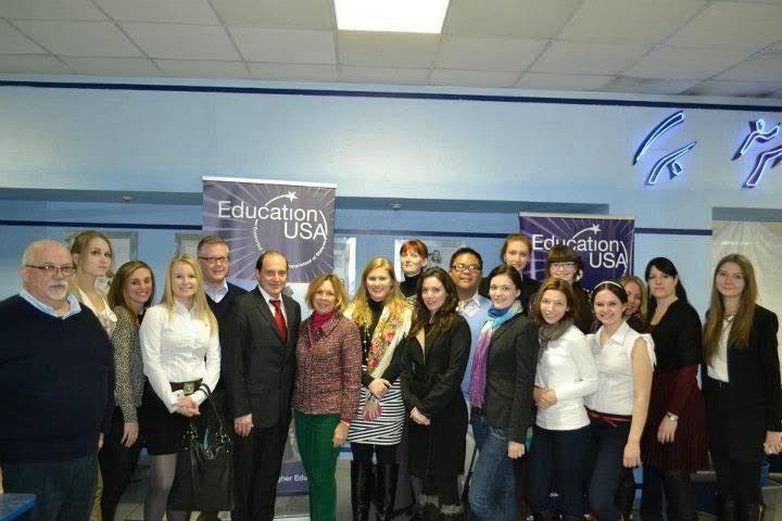 Студенты Института иностранных языков ВГУЭС работали в сотрудничестве с представителями американских университетов