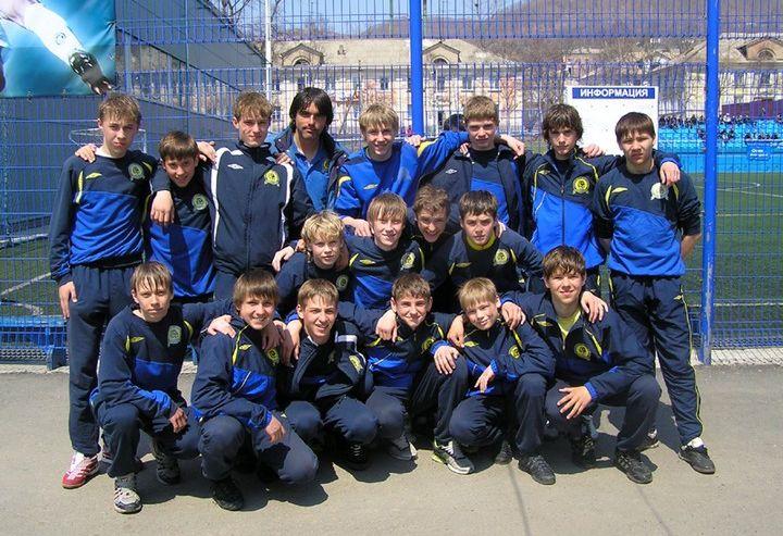 Победы в двух футбольных чемпионатах одержали футболисты Школы-интерната ВГУЭС для одаренных детей