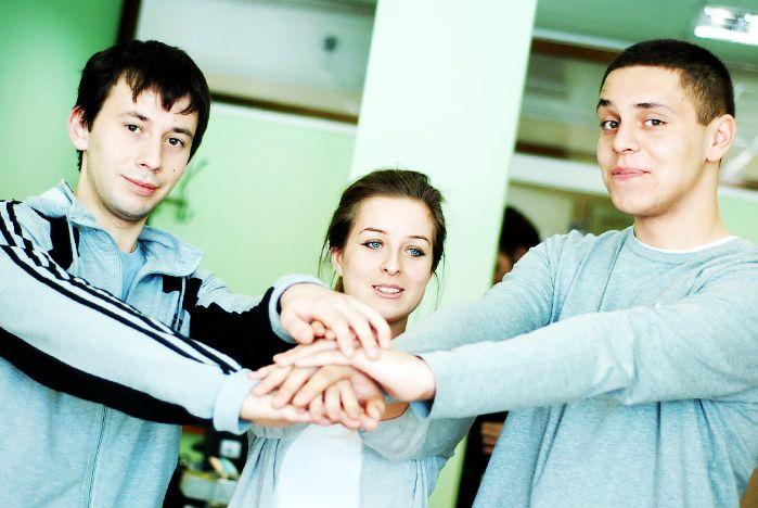 «Руки помощи» позвали студентов ВГУЭС вожатыми в летний лагерь