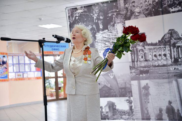 Ректор и президент ВГУЭС поздравляют коллектив с 9 Мая