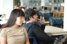Студентам показывают документальный фильм