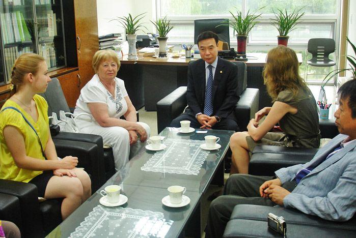 Студентки ВГУЭС учатся в Республике Корея по стипендиальной программе председателя Совета директоров компании DongHwan Corporation