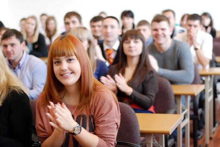 Волонтеры ВГУЭС первыми удостоились благодарности губернатора Приморского края