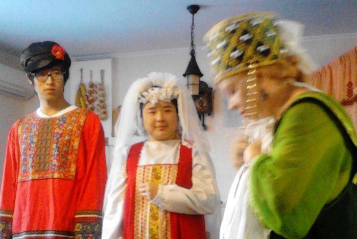 Студенты из КНР ближе познакомились с русскими традициями