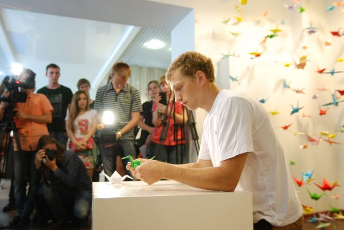 Мемориальная инсталляция «Тысяча журавликов надежды» открылась во ВГУЭС