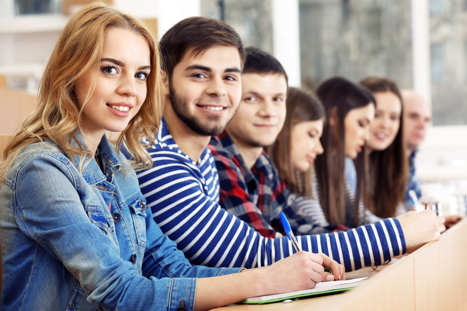 Уникальная возможность. Студенты ВГУЭС получают два диплома за четыре года