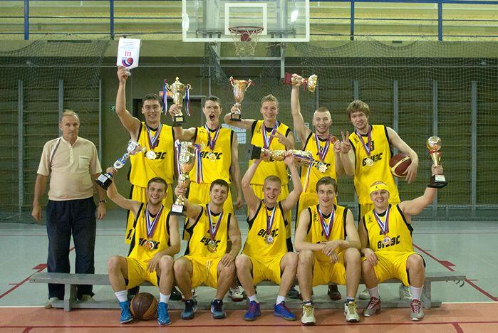Череда побед баскетболистов команды ВГУЭС