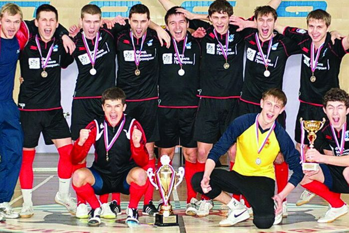 Футболисты ВГУЭС победили команду ДВФУ со счетом 5:3
