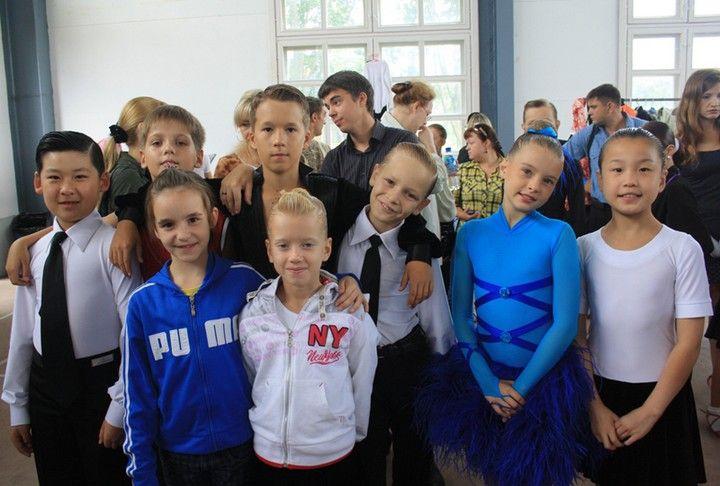 Народный ансамбль «Элегия ВГУЭС» вернулся с наградами с IV международного конкурса спортивного бального танца «Бархатный сезон 2010»