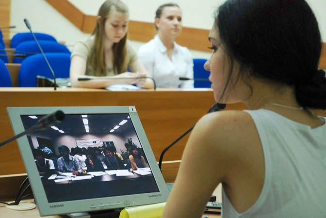 Видеоконференция между студентами ВГУЭС и японского университета Симанэ проходила на английском языке