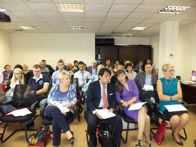 18 сентября 2013 года ведущий специалист Инновационного бизнес-инкубатора ВГУЭС Андрей Караваев принял участие в работе семинара по теме «Механизмы поддержки малого и среднего предпринимательства в Приморском крае».
