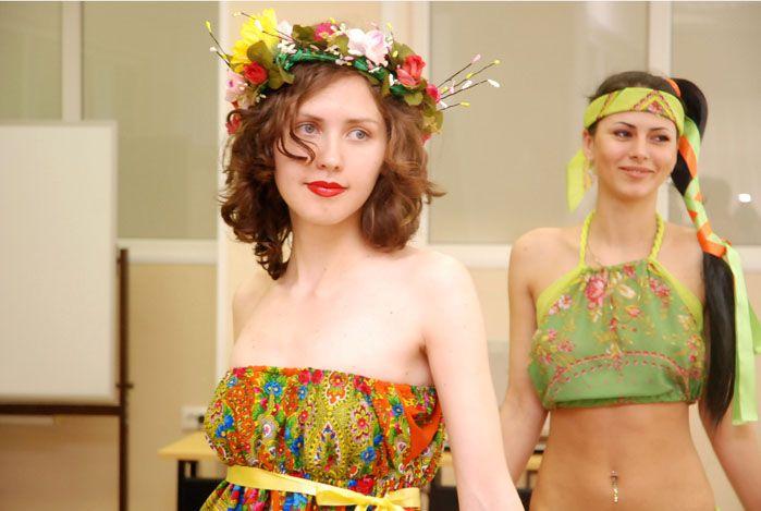 Художники по костюму Профессионального лицея ВГУЭС разработали коллекцию в русском стиле к Саммиту АТЭС
