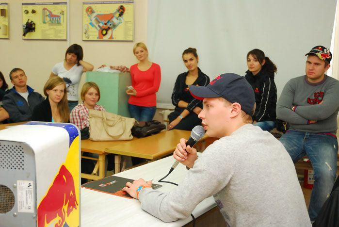 Всемирно известный гонщик дал «Альтернативный урок» во ВГУЭС