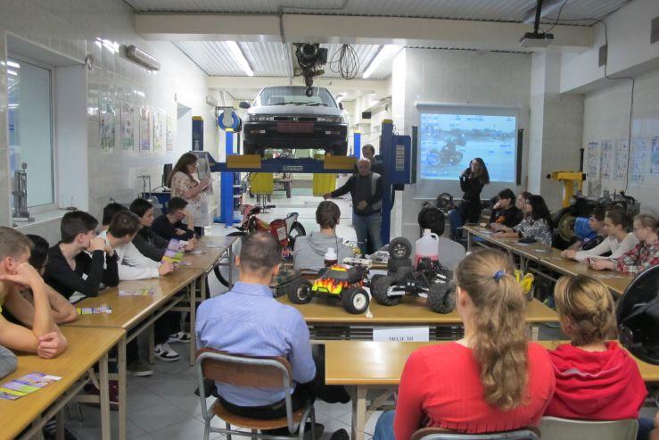 Кафедра ТПТ встретила хабаровских школьников в рамках образовательного тура