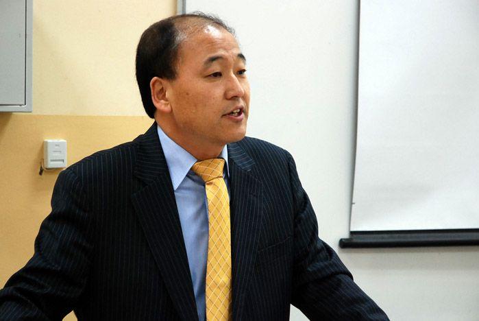 Генеральный консул Республики Корея во Владивостоке поделился со студентами ВГУЭС секретами успеха