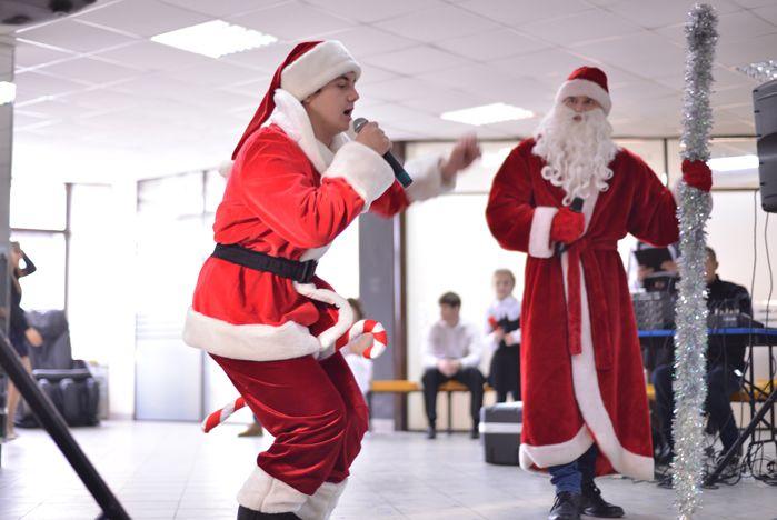 Студентов ВГУЭС поздравили с Новым годом