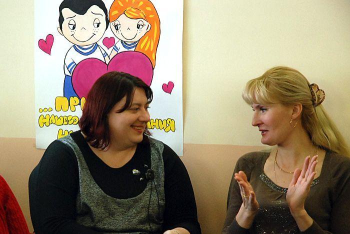 Преподаватели Олеся Смирнова и Виктория Королёва довольны работой своих студентов