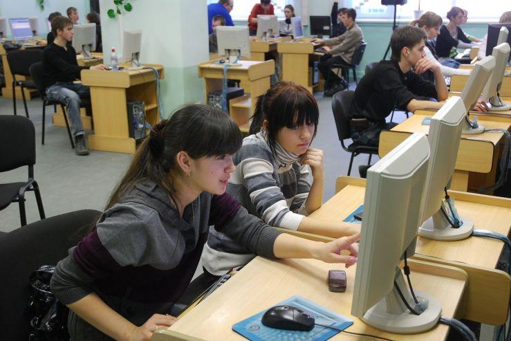Студенты ВГУЭС будут получать повышенную стипендию