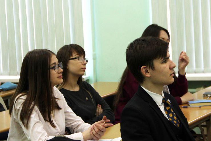 Студенты ВГУЭС готовятся к «Дальневосточной модели ООН – 2018»