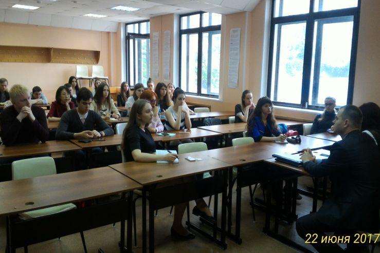 В институте права ВГУЭС состоялась встреча студентов направления «Юриспруденция» c сотрудниками Сахалинской прокуратуры