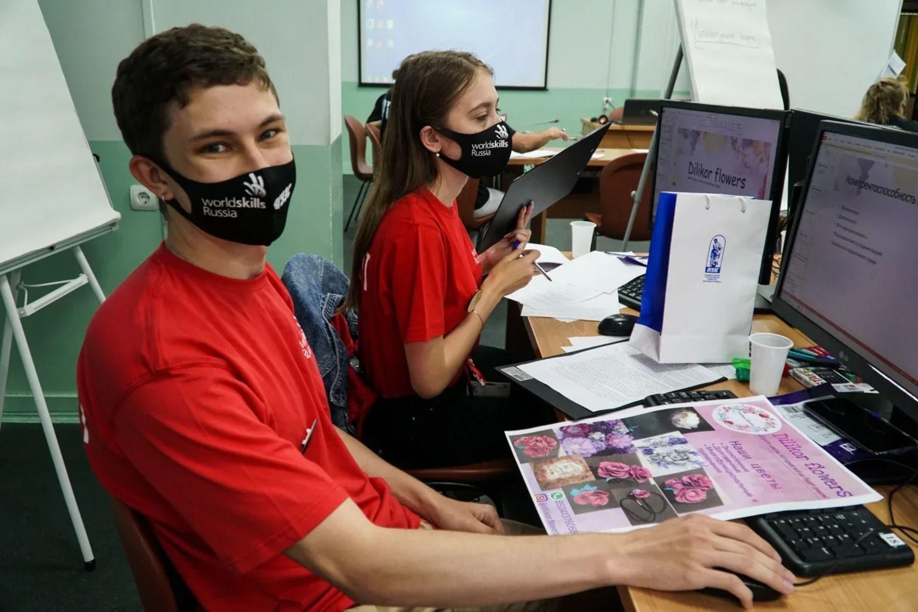 Чемпионат WorldSkills – это демоверсия профессии: во ВГУЭС прошли соревнования по компетенциям «Рекрутинг» и «Предпринимательство»