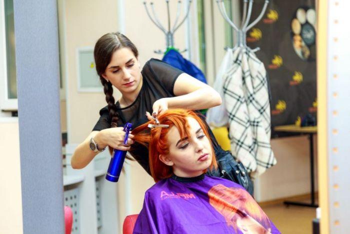 Дипломные работы по парикмахерскому искусству самый красивый   одна из основательниц парикмахерской школы в нашем городе Мы гордимся тем что у нас работает такой человек который вдохновляет молодое поколение на