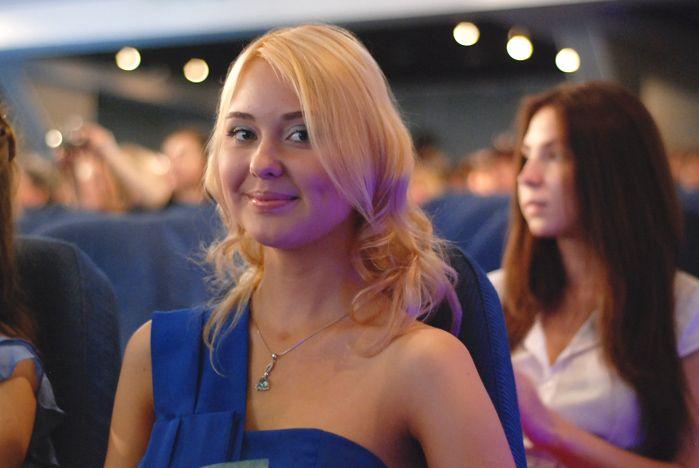 Во ВГУЭС мэр города Игорь Пушкарев поздравил серебряных медалистов