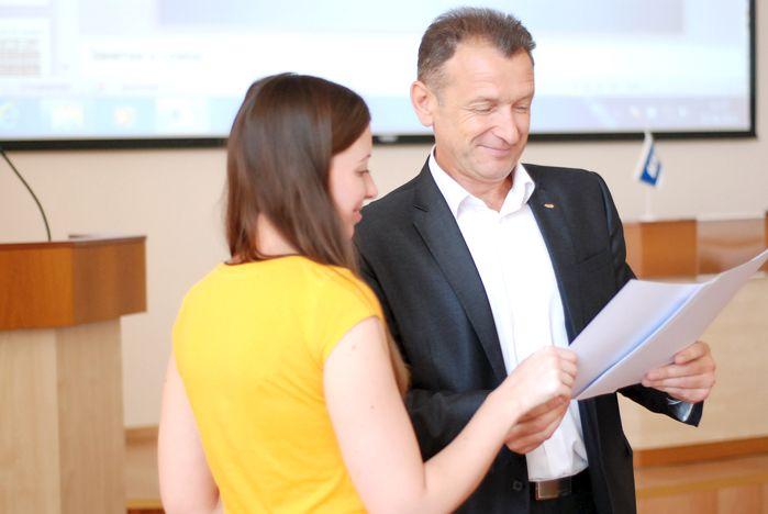 ВГУЭС подвёл итоги годового партнёрства с АТП «Приморье»