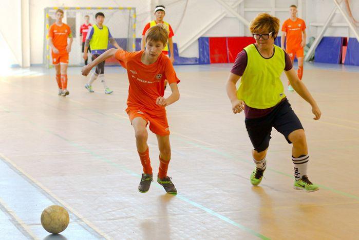 Команда Академического колледжа ВГУЭС стала пятикратным чемпионом Дальнего Востока в проекте «Мини-футбол - в школу»