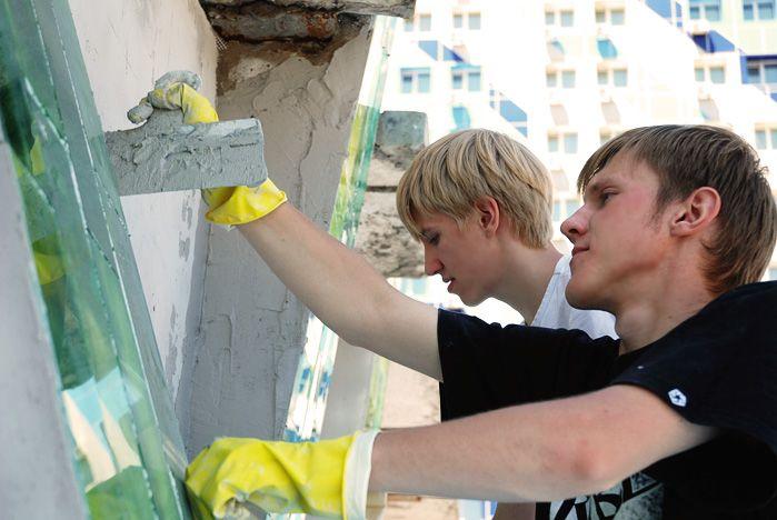 Дизайнеры ВГУЭС практикуются на территории кампуса