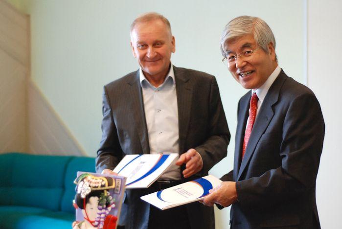 ВГУЭС и японский Институт постдипломного образования подписали соглашение об академическом обмене