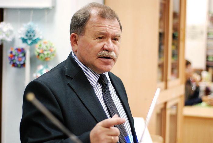 Профессор ВГУЭС провел презентацию своих монографий