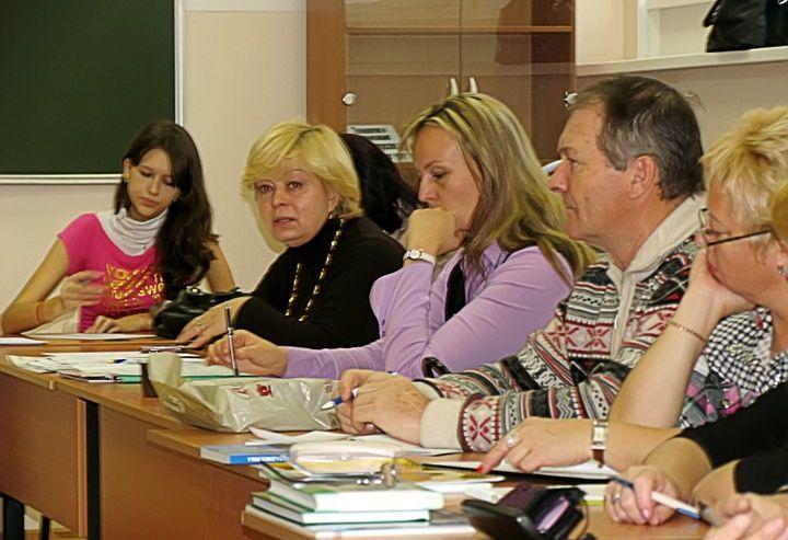 Экскурсоводы Владивостока объединились в профессионально–образовательное сообщество на базе ВГУЭС
