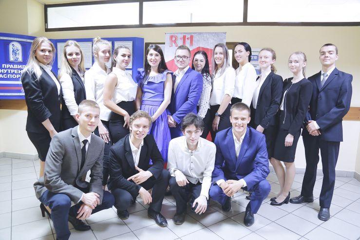 Лучших участников демоэкзамена во ВГУЭС наградили паспортами компетенций