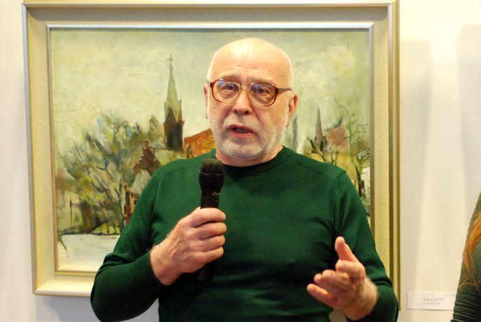 В музейно-выставочном комплексе ВГУЭС открылась персональная выставка Владимира Старовойтова