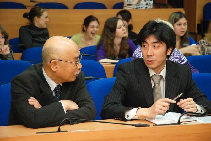 Компания «Фрегат Аэро» представила во ВГУЭС новый экономический проект сотрудничества с Японией - эконом-туры для студентов