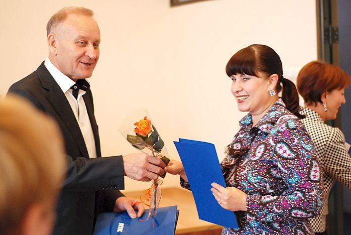 Во ВГУЭС прошло торжественное награждение сотрудников