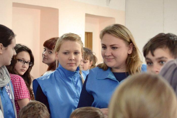 Совет студенческих объединений ВГУЭС поздравил маленьких пациентов с Новым годом