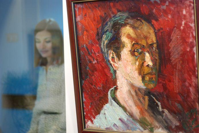 Во ВГУЭС открылась персональная выставка заведующего кафедрой живописи и рисунка Олега Петухова
