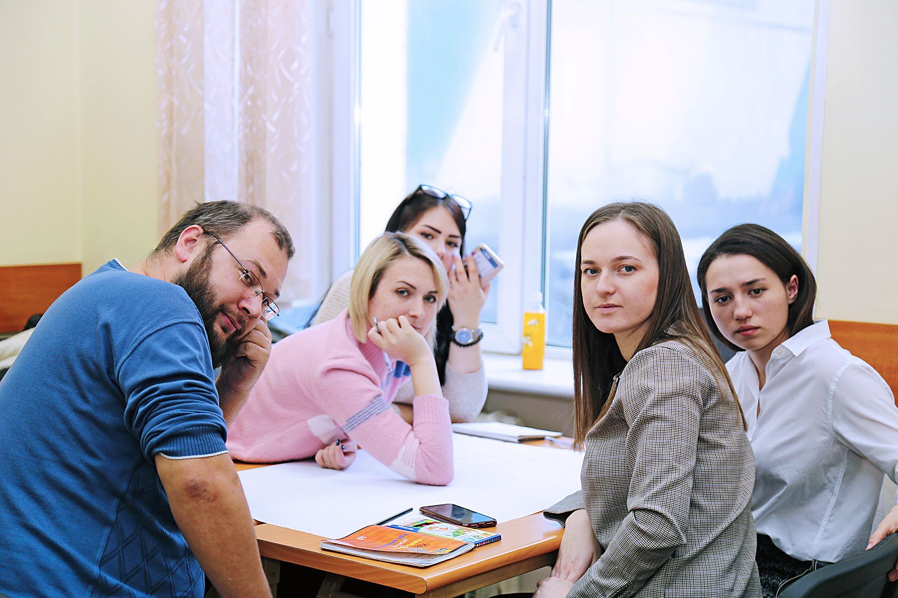 Патриотизм и защита национальных интересов: студенты ВГУЭС узнали, что объединяет позиции политических партий России