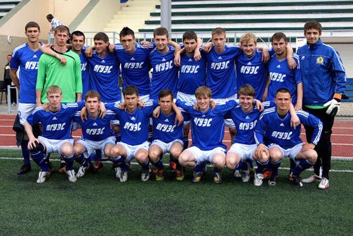На футбольном поле «Чемпиона» -1 определили сильнейшую команду турнира, посвященного 45-летию ВГУЭС