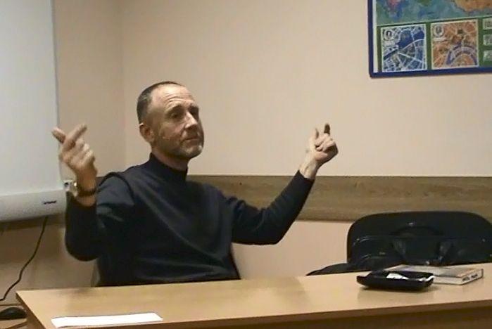В Институте иностранных языков ВГУЭС новый преподаватель - Ричард Томас